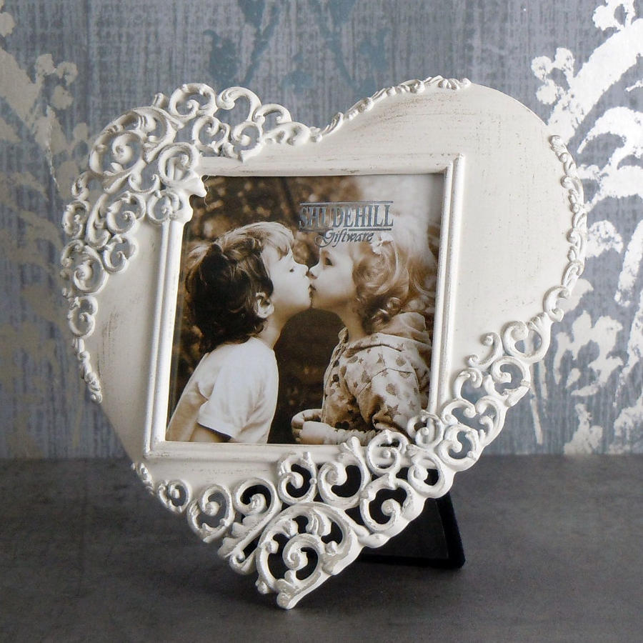 Cream lace metal heart photo frame