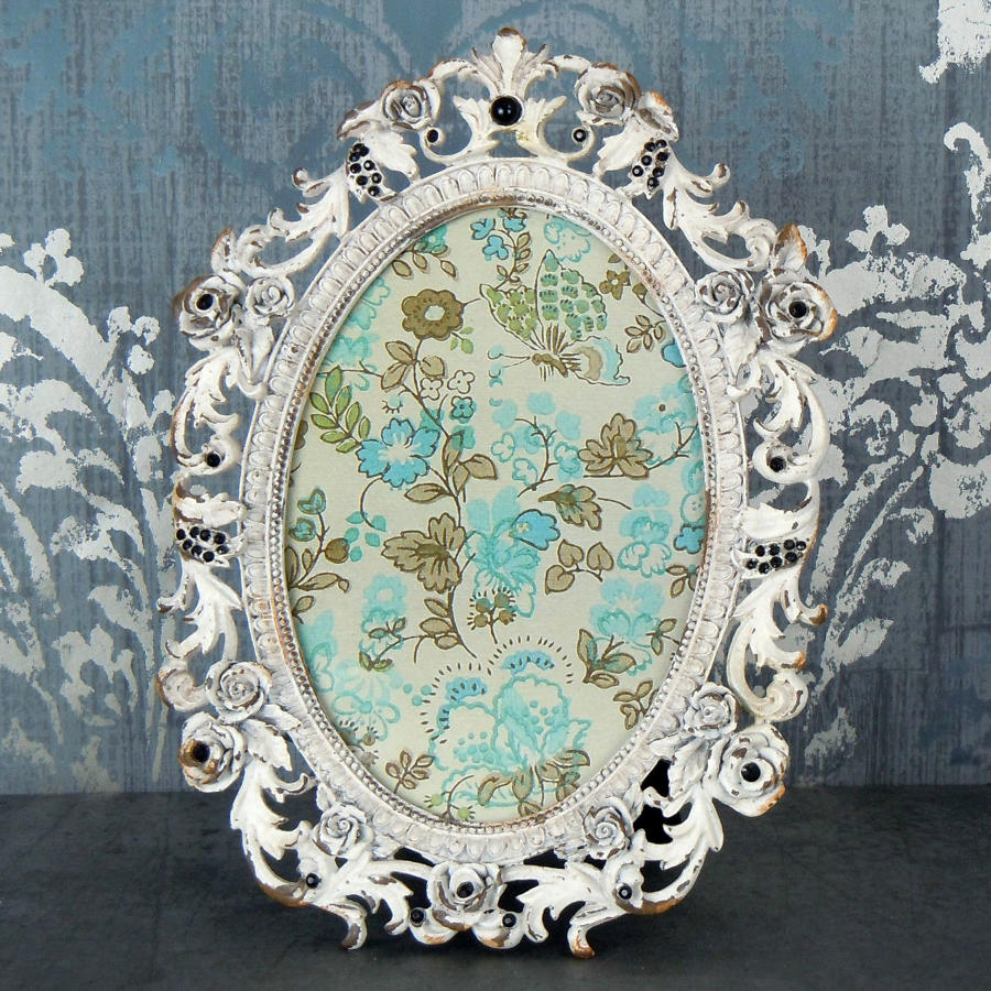 Baroque Rose metal oval photo frame