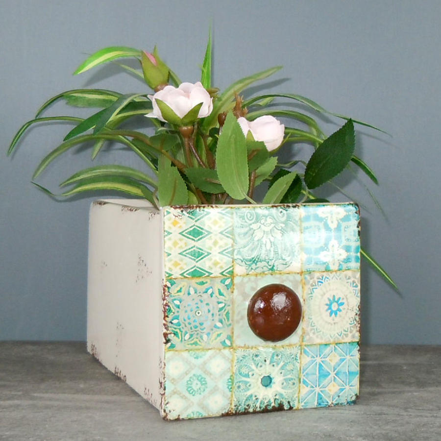 Ceramic drawer planter
