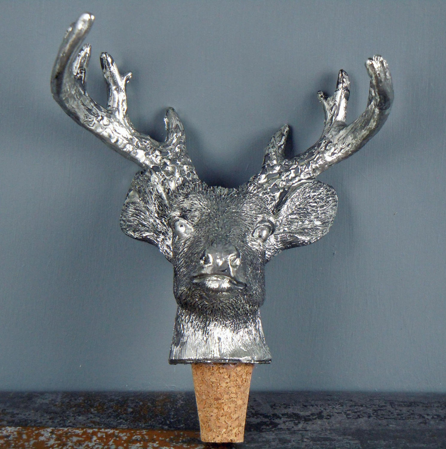 Stag bottle top