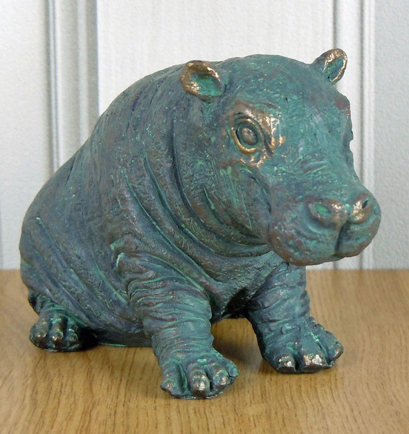 Bronze effect Hippo
