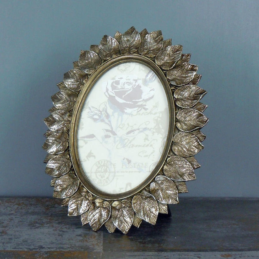 Antique Metallic Layered Leaf Design oval Photo Frame