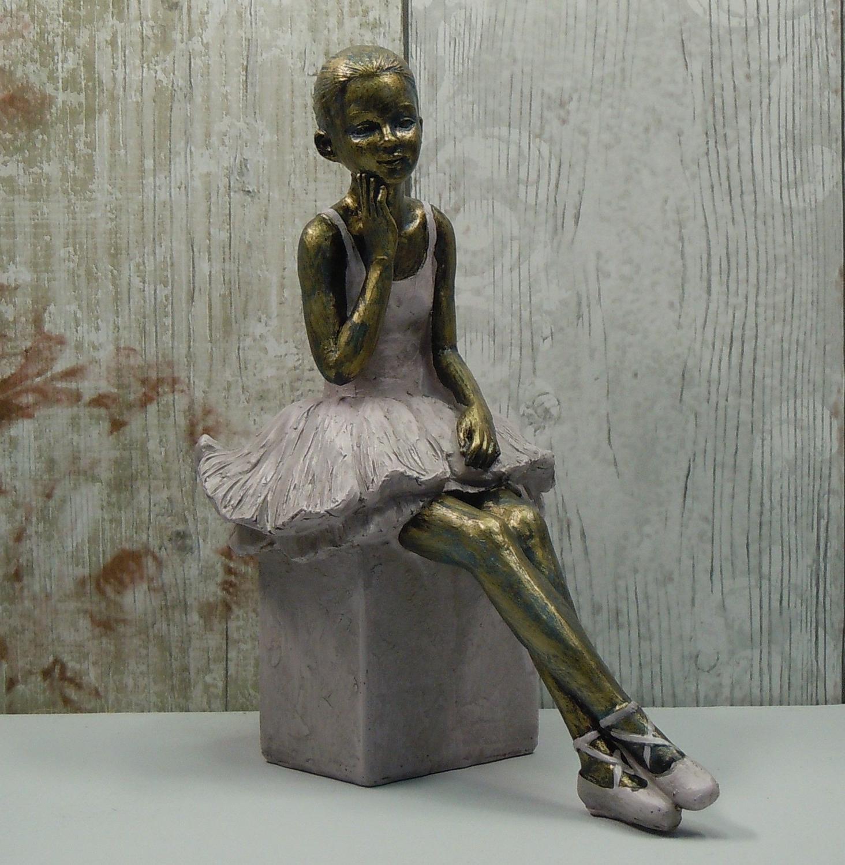 Pretty Ballerina thinking