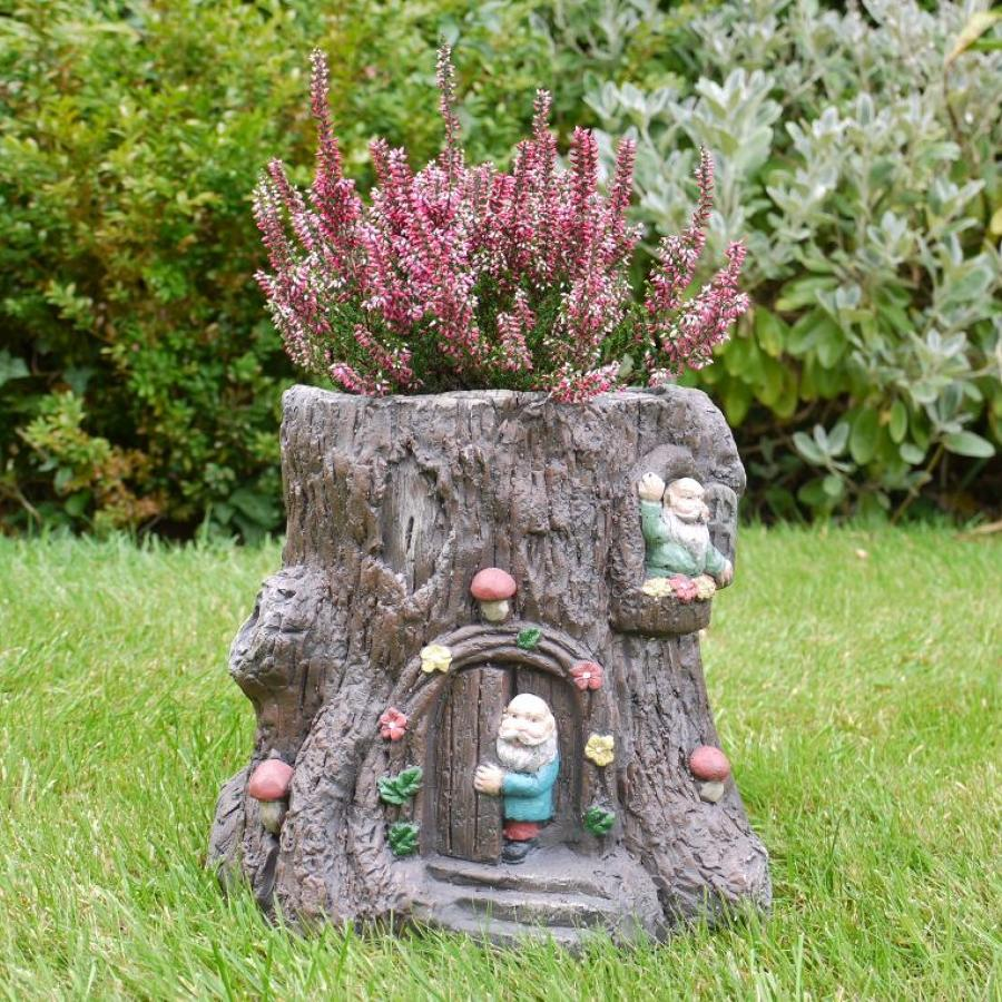 Tree stump planter with Gnomes
