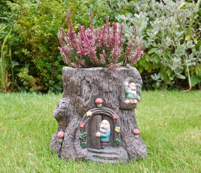 Tree stump planter with Gnomes