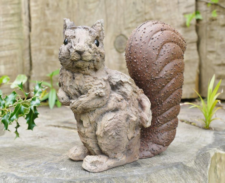 Wood effect Squirrel
