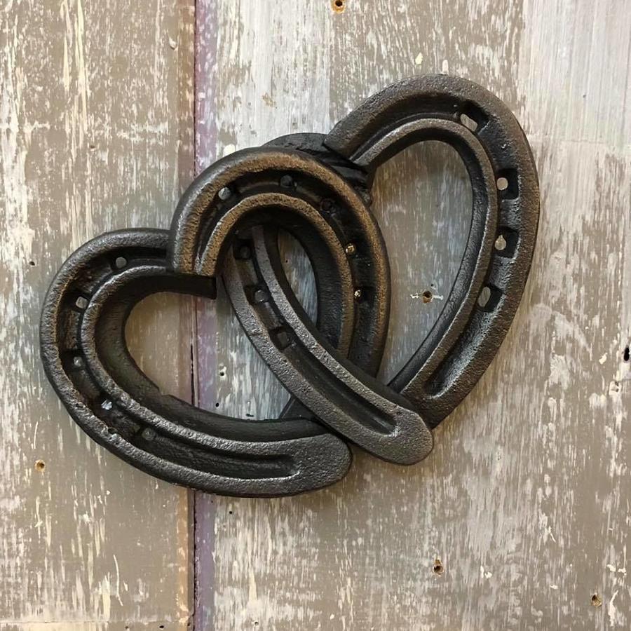 Cast iron heart Horse shoe wall hanger
