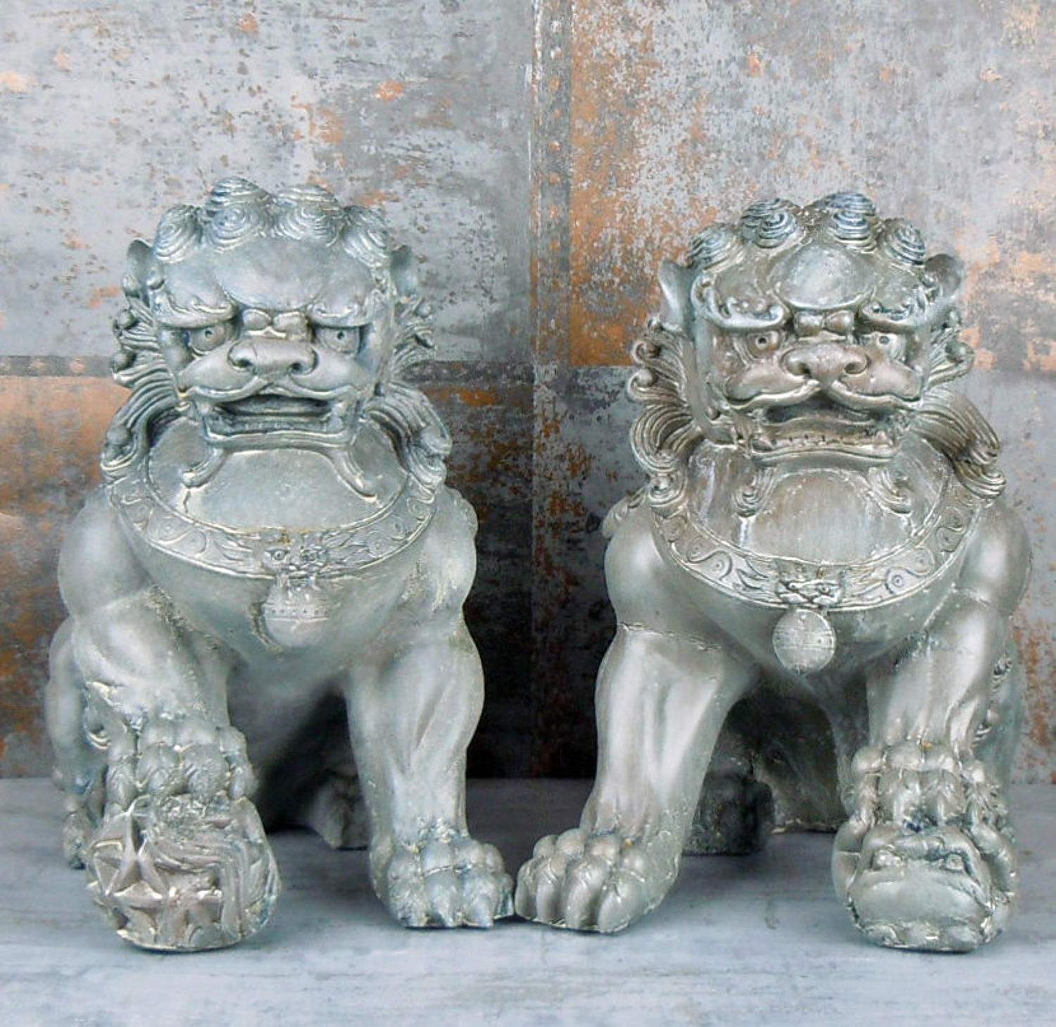 Set of two Grey Foo Dogs