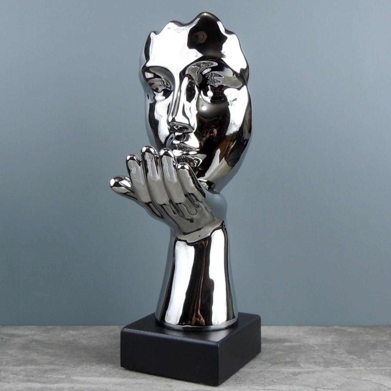 Silver Kissing Sculpture