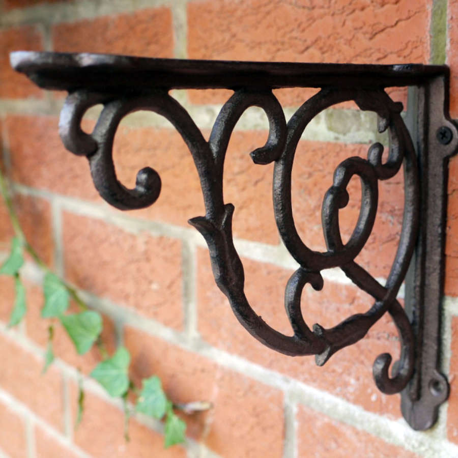 Small Cast iron scroll Bracket