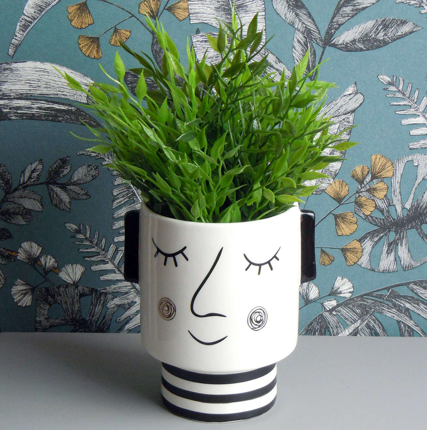 Peggy ceramic planter pot