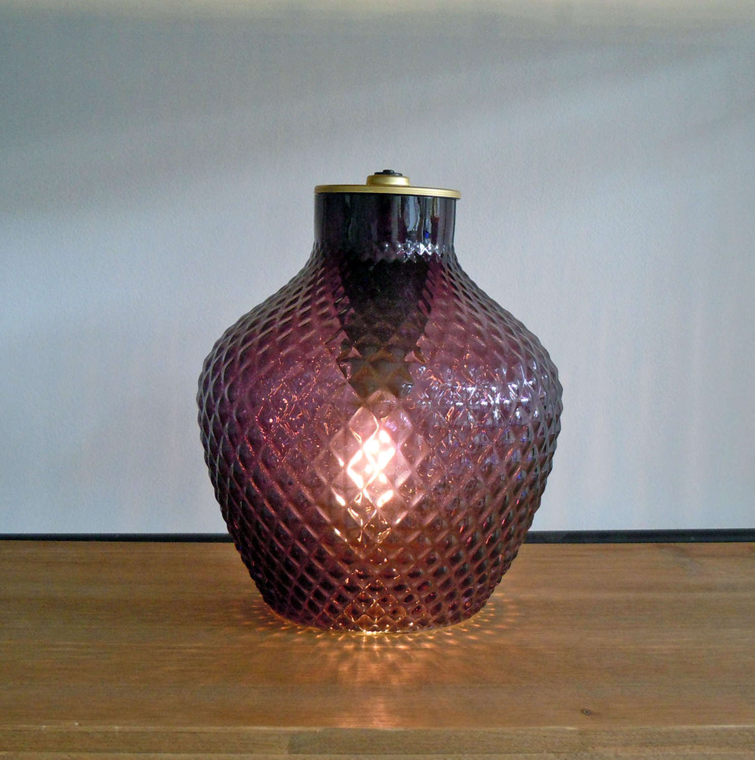 Purple diamond vase LED battery lamp
