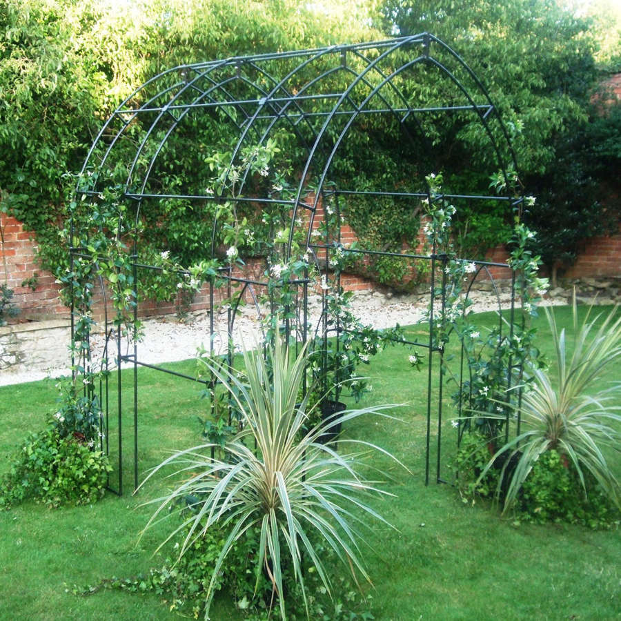 Poppyforge Gothic Arch tunnel manufactured in the UK