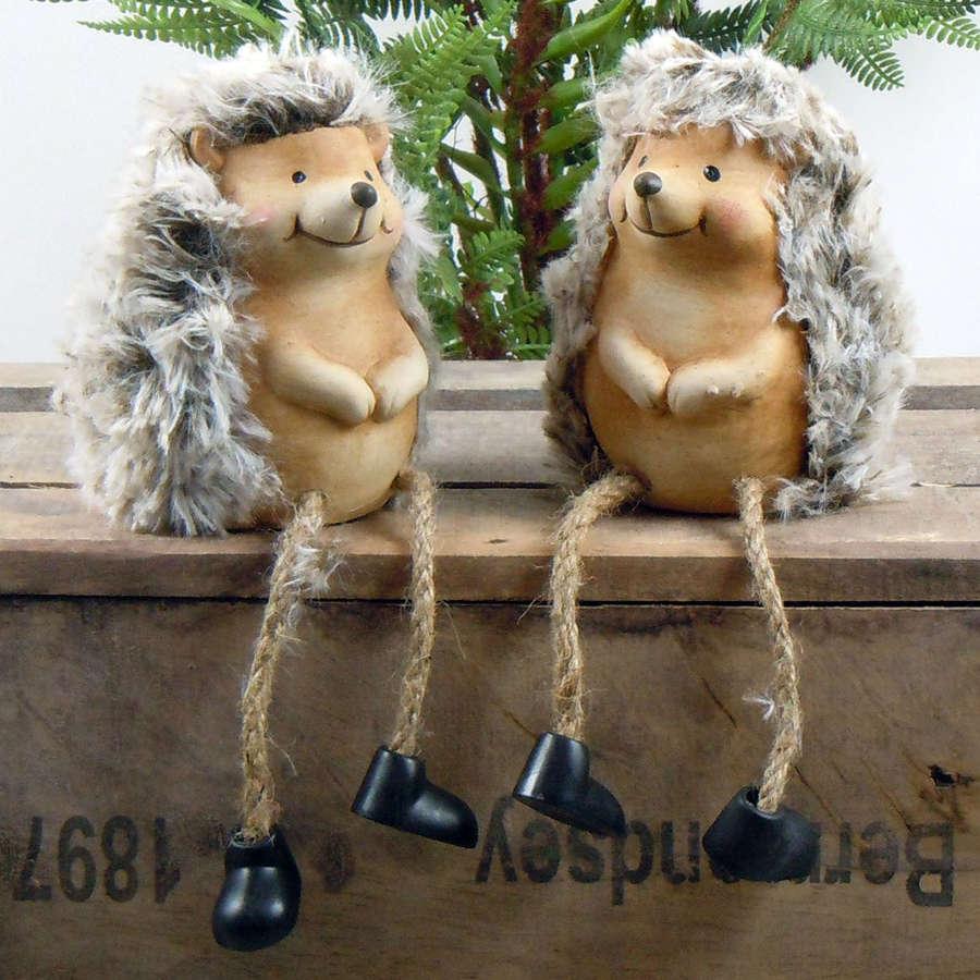 Hedgehog shelf hangers with dangly legs
