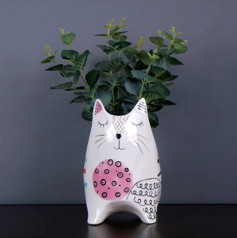 Clever Cat ceramic pot