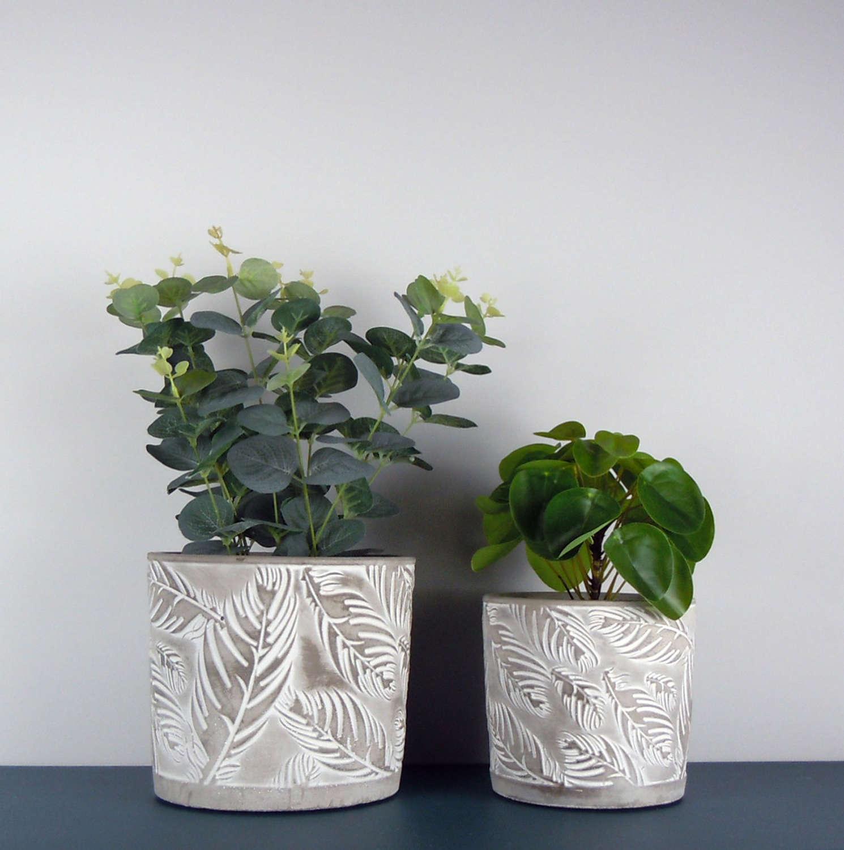 Feather plant pots