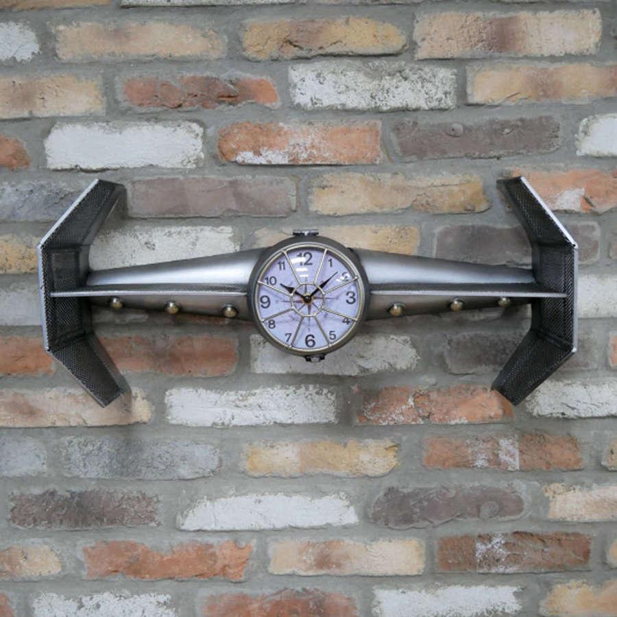 Spaceship clock with shelf